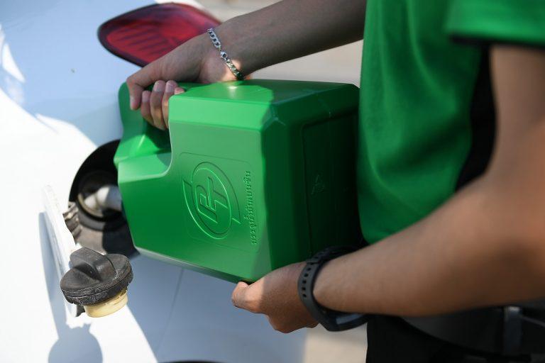 "PT ชูโรงบริการจัดส่งน้ำมันฉุกเฉิน ""สด ใหม่ ดิลิเวอรี"" ทั่วประเทศไทย"