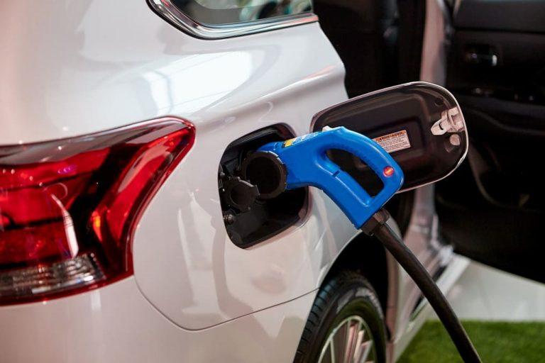 """สุดยอดรถยนต์ที่จ่ายกระแสไฟให้บ้านได้ถึง 10 วัน กับเทคโนโลยี """"เดนโด ไดร์ฟ เฮ้าส์"""""""