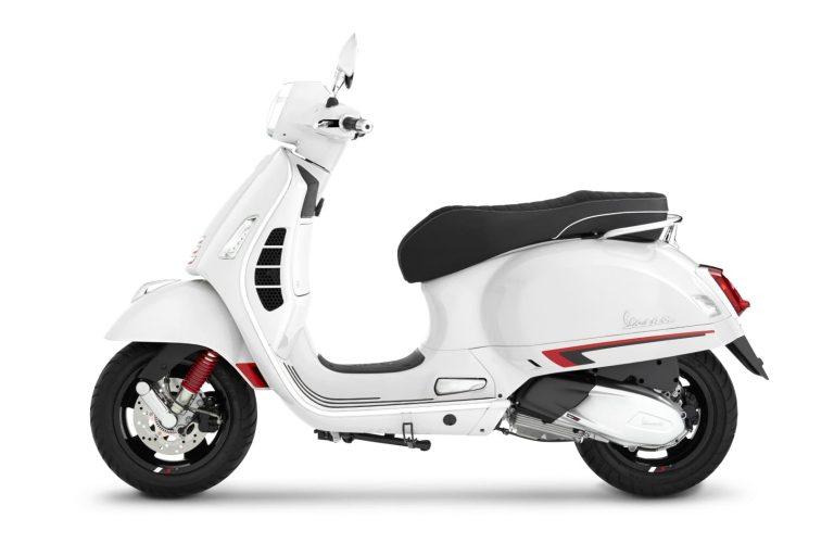 "Vespa GTS Super Sport 300 HPE ""สีขาวใหม่ White Innocenza"" เสน่ห์แห่งความเท่เรียบง่าย สไตล์เรโทรโมเดิร์นสปอร์ต"