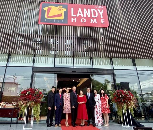 แลนดี้ โฮม เจาะตลาดสร้างบ้านไฮเอนด์ 15 ล้านอัพ ปักหมุดย่านฝั่งธนฯ ตอกย้ำศูนย์รับสร้างบ้านอันดับ 1