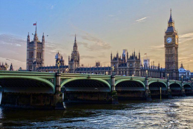 'ลอนดอน' เป็นเจ้าภาพยูโร เที่ยวไปด้วยพร้อมดูบอลก็ยังได้ กิจกรรมมากมาย สนุกกันอย่างเต็มที่