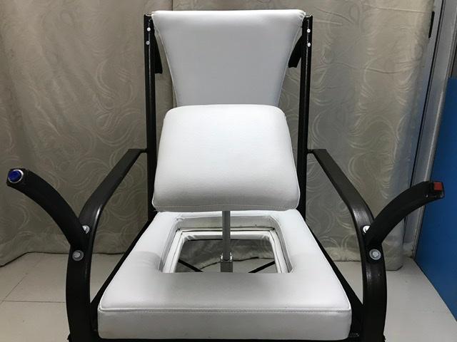 """""""เก้าอี้ช่วยยืน"""" นวัตกรรมใหม่ ของเด็กไทย คว้ารางวัลเหรียญทอง ในเวทีนานาชาติ"""